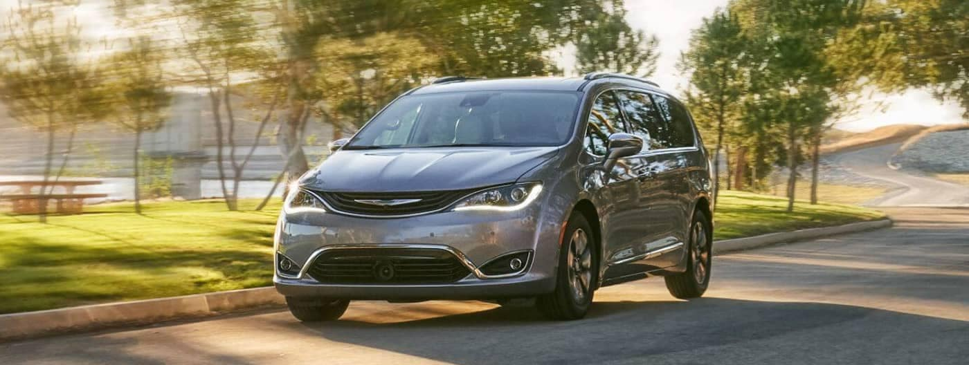 2019 Chrysler Pacifica minivan