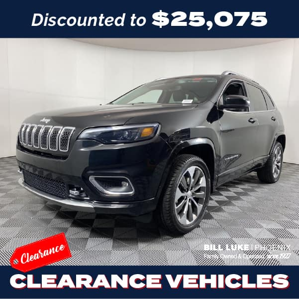 PRE-OWNED 2019 JEEP CHEROKEE OVERLAND WITH NAVIGATION & 4WD