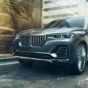 2019-BMW-X7-beautiful-paint-finish
