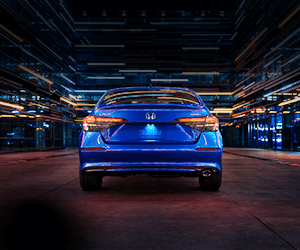 A view of the back of the All-New 2022 Honda Civic in Aegan Blue from the exterior
