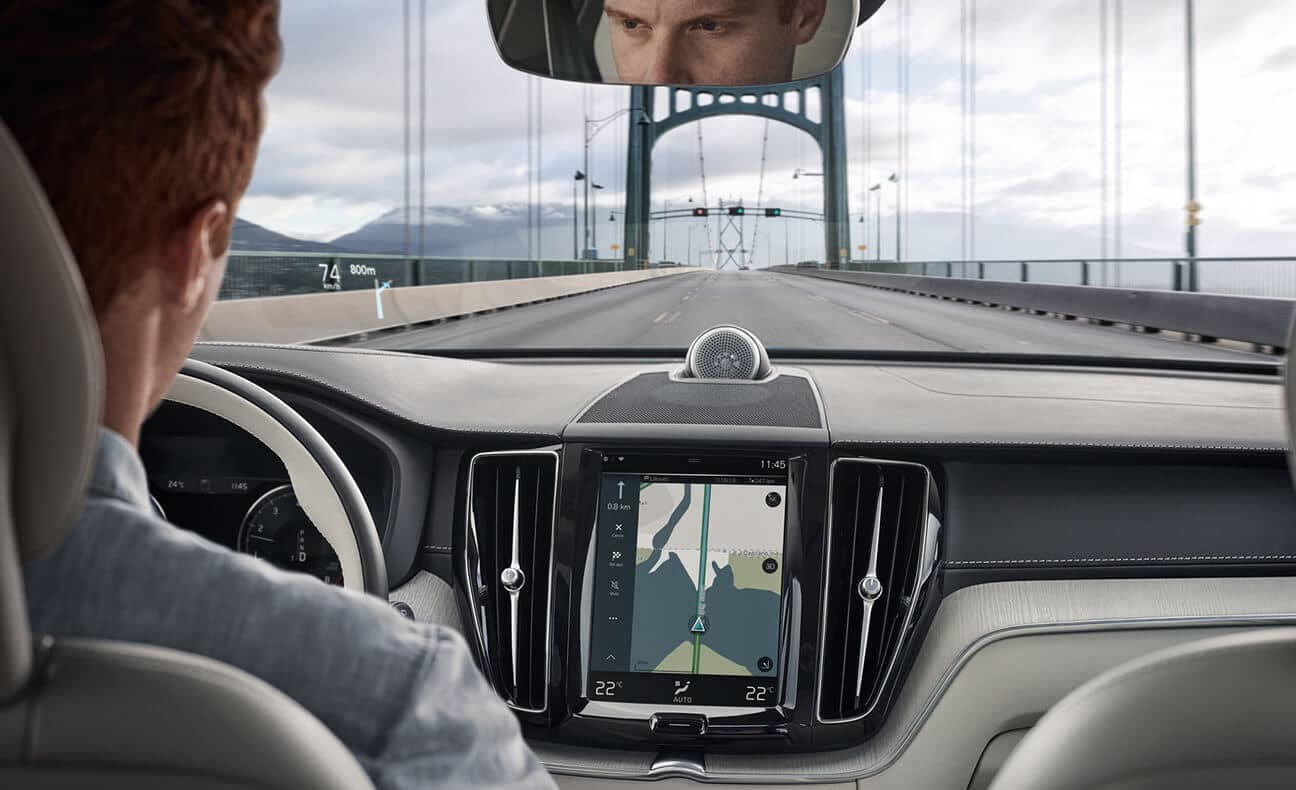 2018 Volvo XC60 Interior showing maps