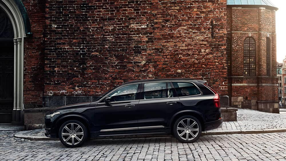 2018 Volvo XC90 Exterior in front of Brick Wall