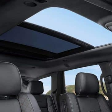 2019 Jeep Grand Cherokee interior features