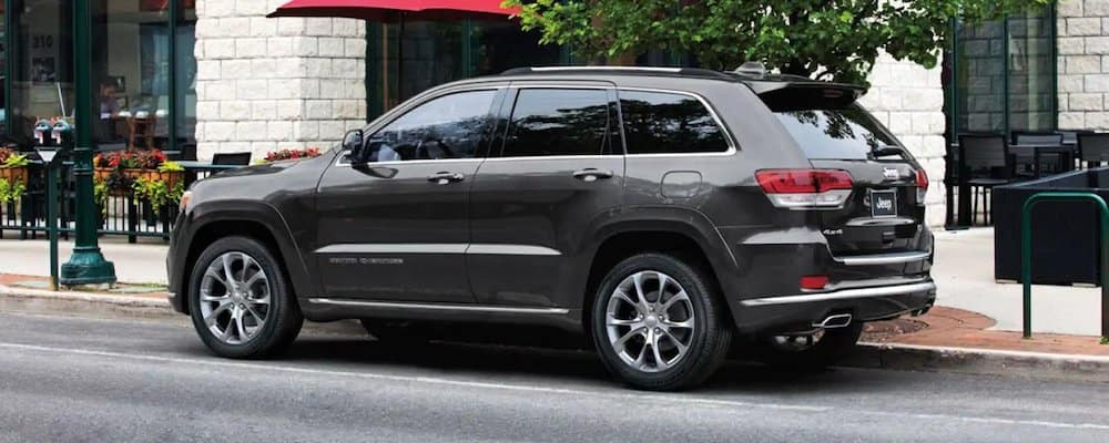 2019 grand cherokee parked on street