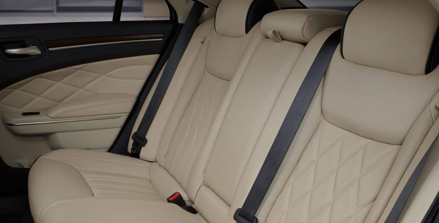 2018 Chrysler 300 back seats