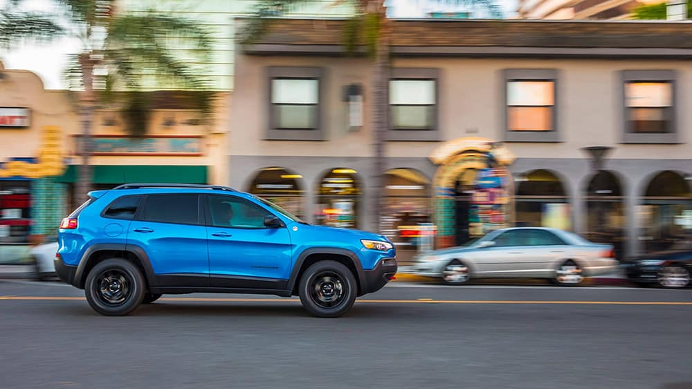 2020-Jeep-Cherokee-Side-View