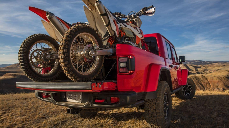 2020 Jeep Gladiator hauling motorbikes
