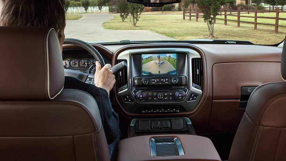 Technology Features of the New Chevrolet Silverado at Garber in Saginaw, MI