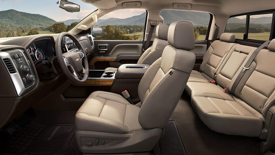 Interior Features of the New Chevrolet Silverado at Garber in Saginaw, MI