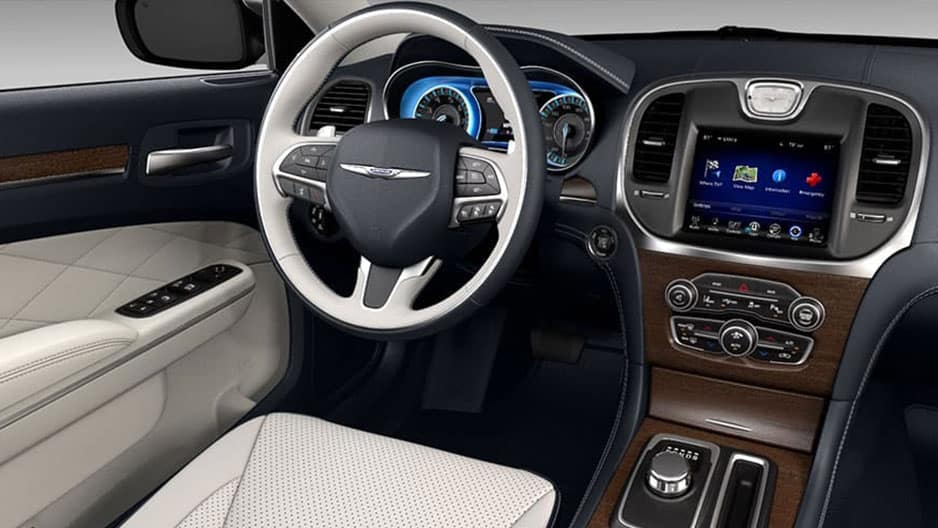 Interior Features of the New Chrysler 300 at Garber in Orange-Park, FL