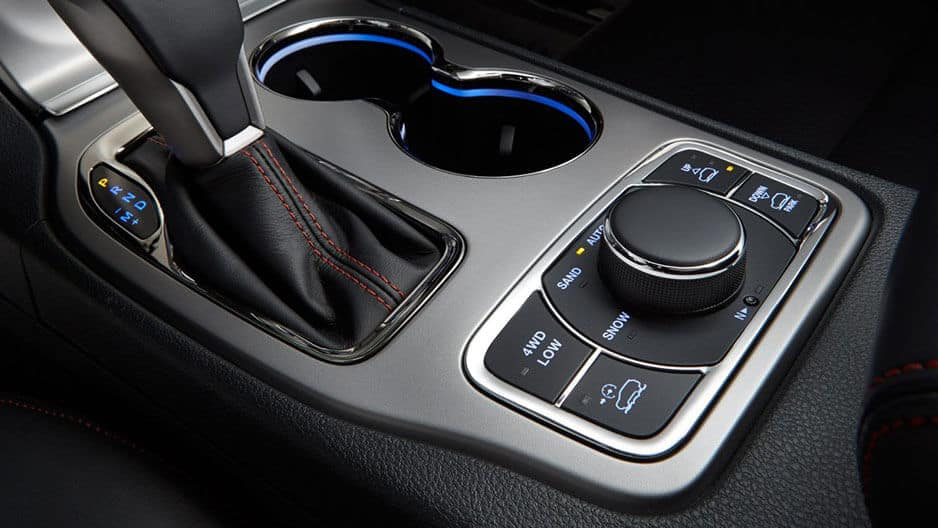 Technology Features of the New Jeep Grand Cherokee at Garber in Jacksonville, FL