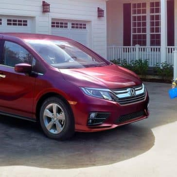 2018 Honda Odyssey Elite Family Outside House