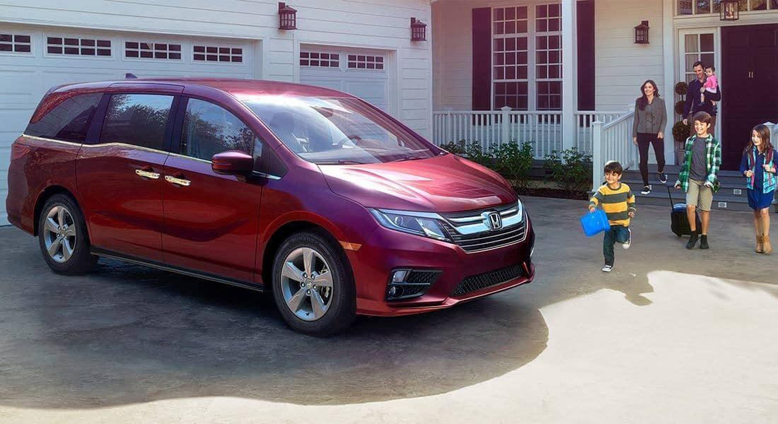2018 Honda Odyssey Elite Family Outside House