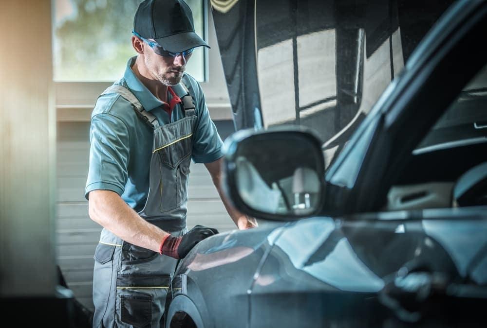 Service mechanic body shop