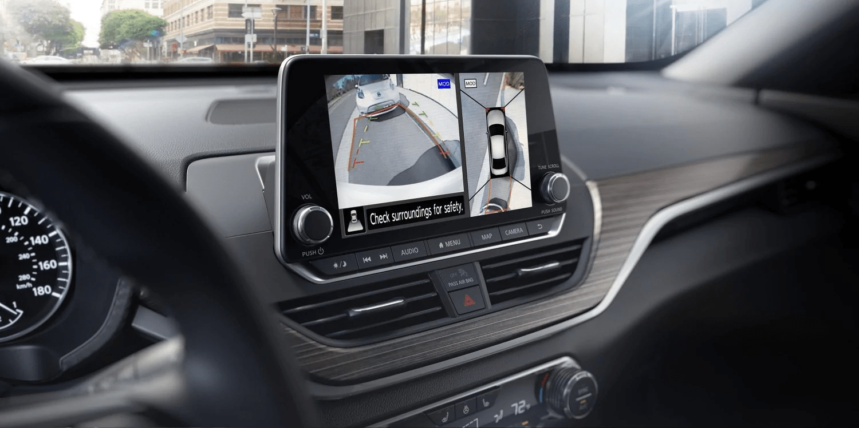 2019 Nissan Altima interior safety camera