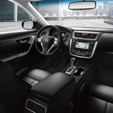 2017-Nissan-Altima-Gallery-Image