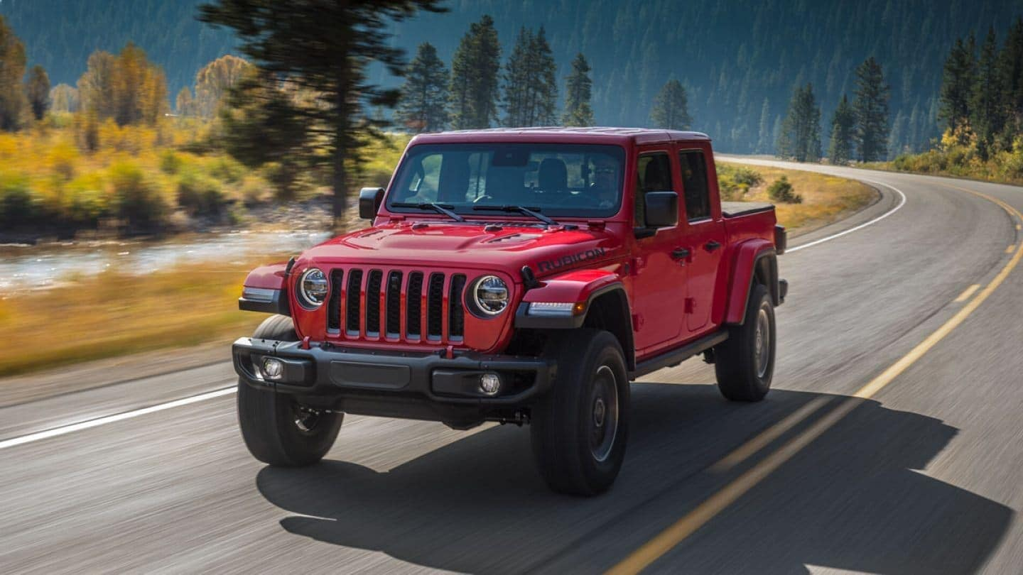 2020 Jeep Gladiator Rubicon driving