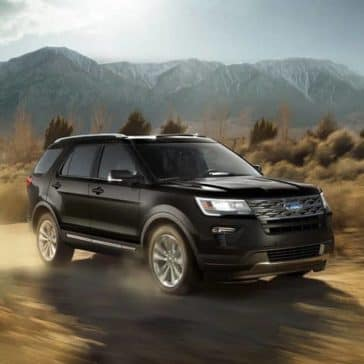 2018 Ford Explorer XLT Mountain Background