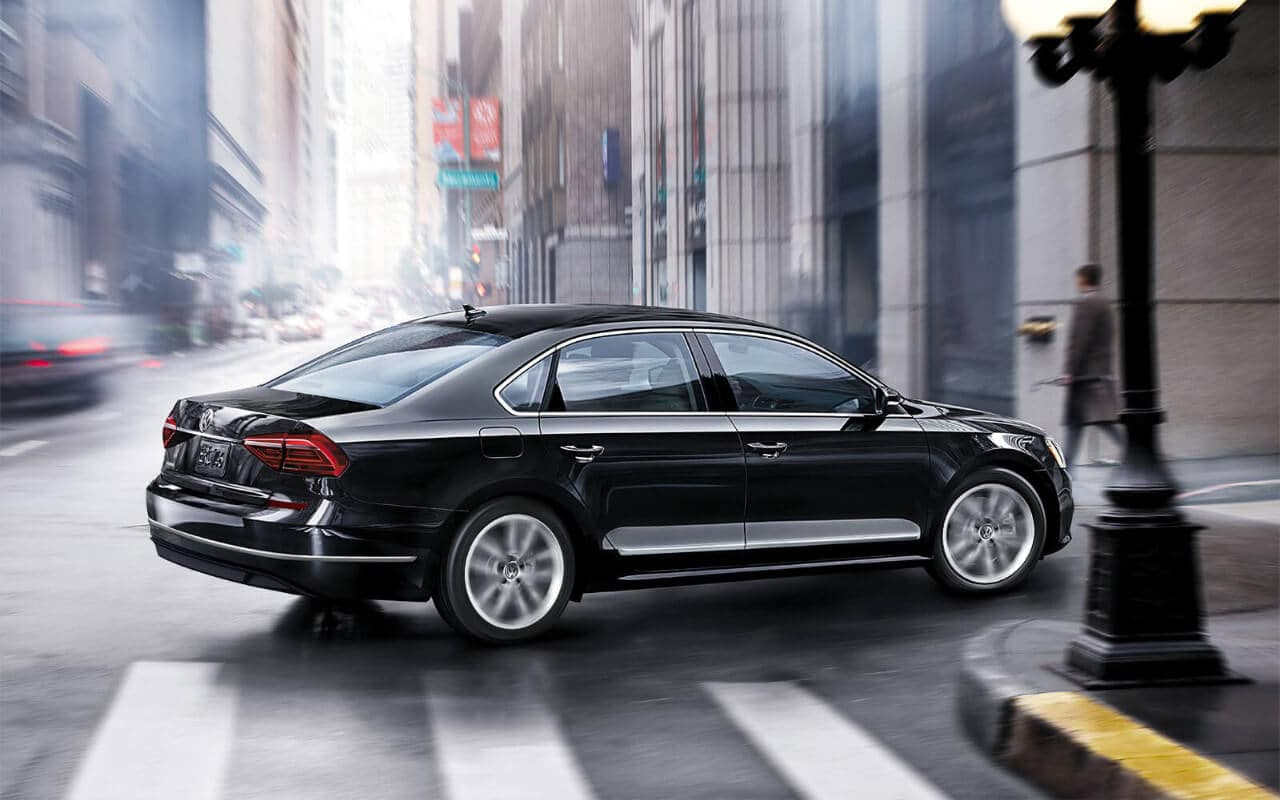 2018 Volkswagen Passat SE side profile