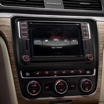 2018 Volkswagen Passat touchscreen