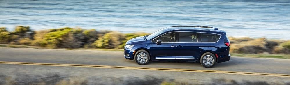 2019 Chrysler Pacifica Blue