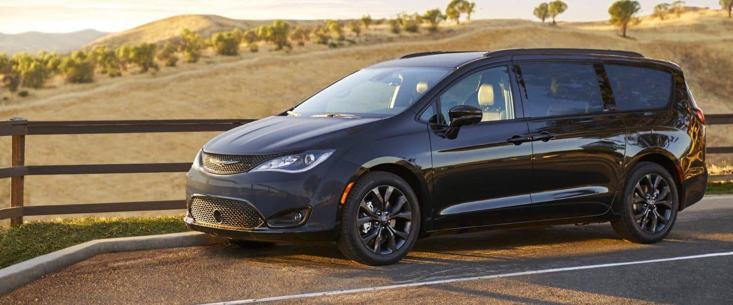 2018 Chrysler Pacifica Trim Options in St. Joseph, MI