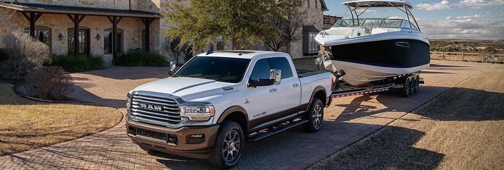 5e4e04a1 2019 Ram 2500 vs. 3500: Towing Capacity | McFadden Friendly Motors