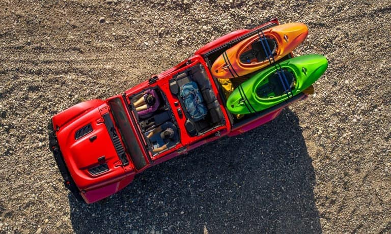 Jeep Gladiator Hauling Kayaks in the Truck-bed