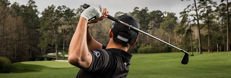 Mercedes-Benz Golf - Player taking a shot