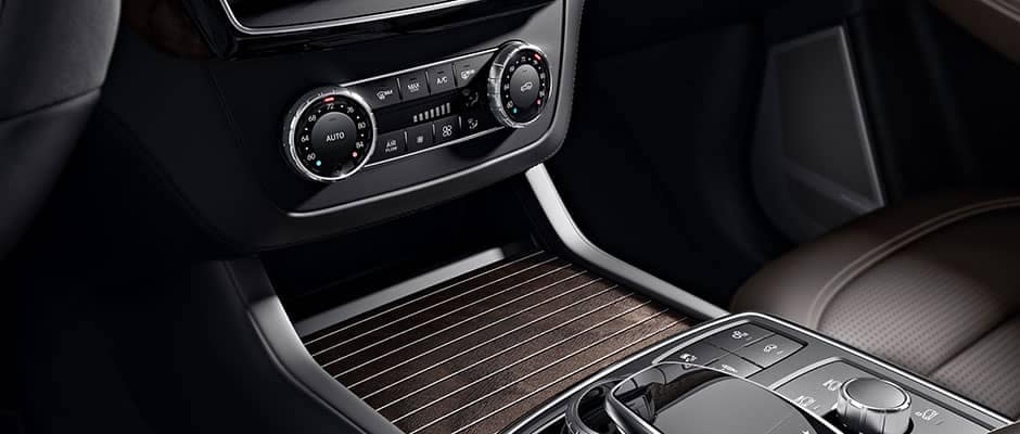 2019-Mercedes-Benz-GLE-controls