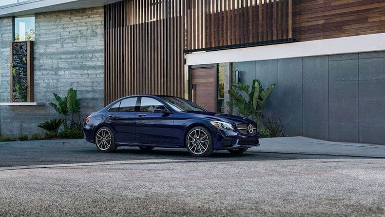 Side view of the 2020 Mercedes-Benz C 300 in Lunar Blue metallic