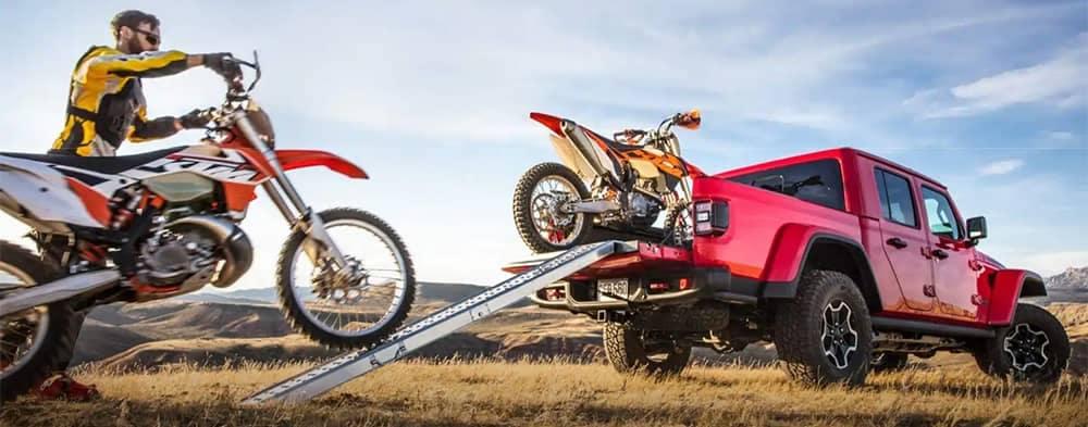 2020-Jeep-Gladiator-Tailgate