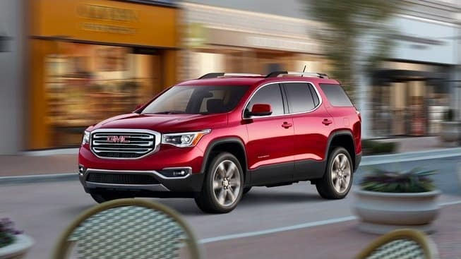2018 GMC Acadia pass stores on street