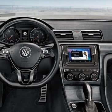 2018 Volkswagen Passat Interior 02