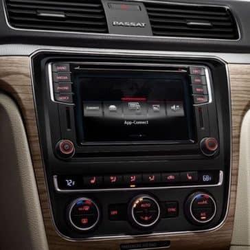 2018 Volkswagen Passat Interior 03