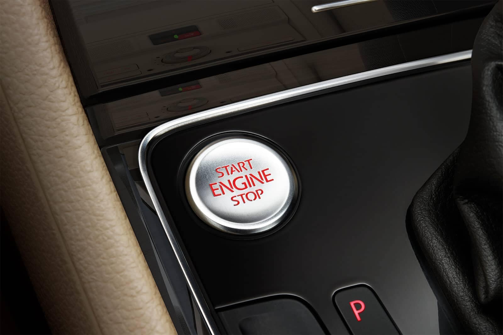 2019-Volkswagen-Passat-engine-button