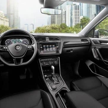2019-Volkswagen-Tiguan-int-01