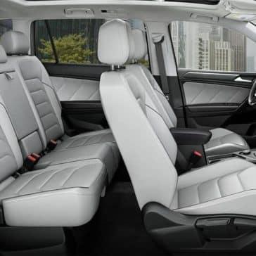2019-Volkswagen-Tiguan-int-02