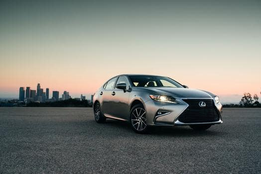 Lexus Introduces Premier Package for 2018 Lexus ES 350