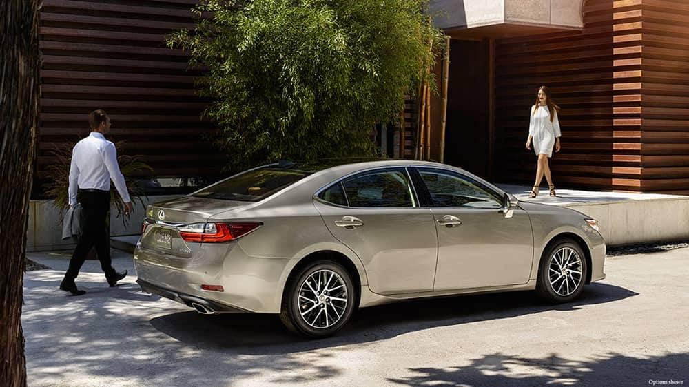 2018 Lexus ES Rear