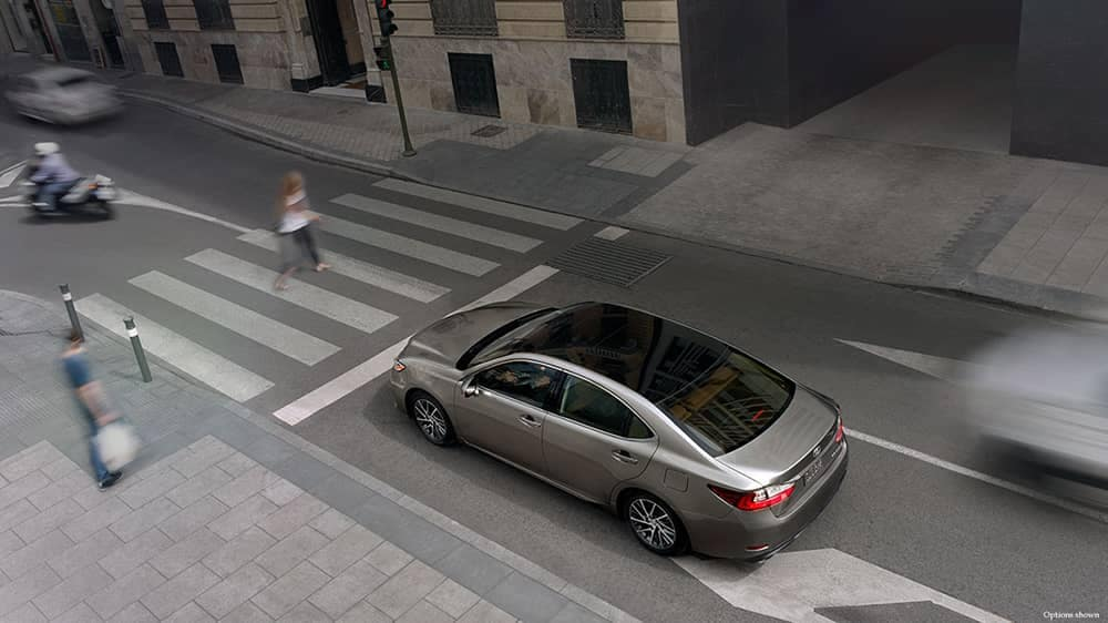 2018 Lexus ES Crosswalk
