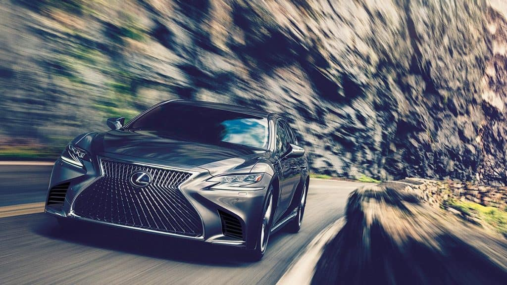 What is it like to drive the 2018 Lexus LS?