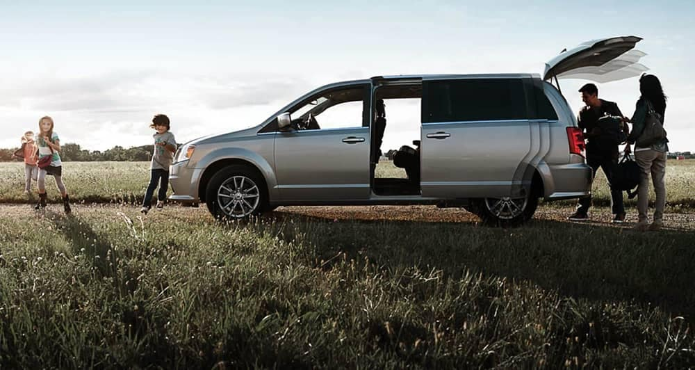 2019 Dodge Grand Caravan Side