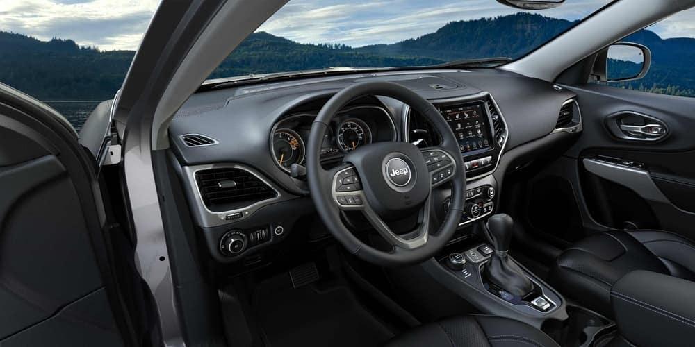 2019 Jeep Cherokee technology interior